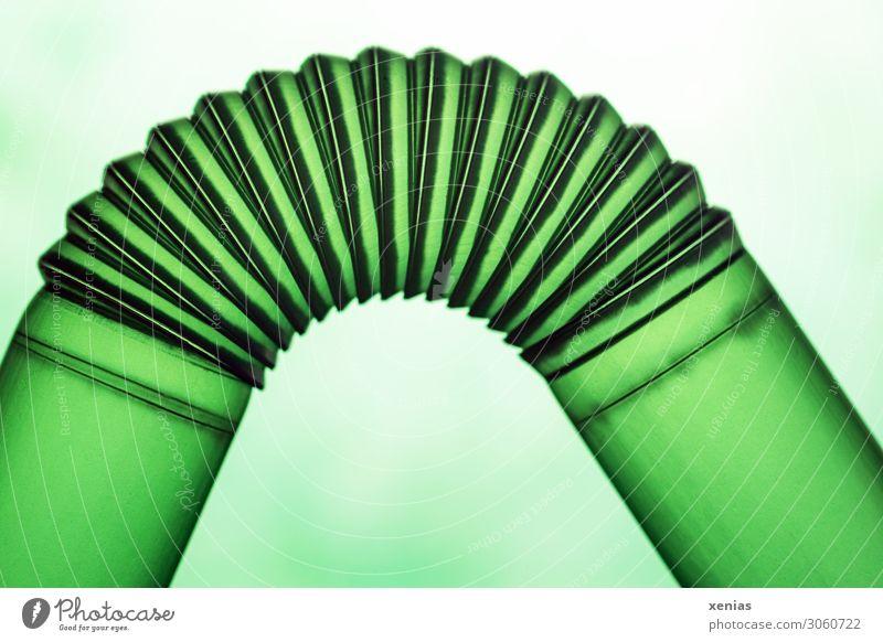 Grüner Trinkhalmknick Kabel Technik & Technologie Fortschritt Zukunft Rohrleitung Knick Kunststoff rund grün Kurve Einweg Farbfoto Studioaufnahme Nahaufnahme