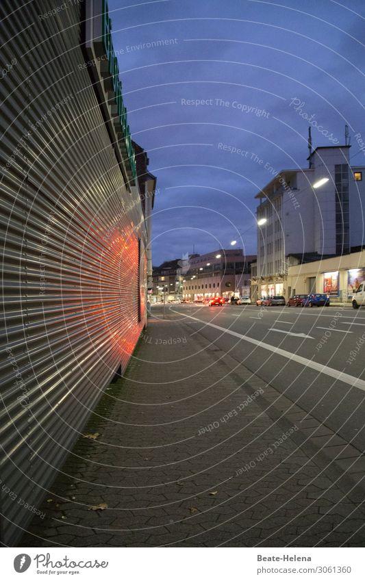 Abenddämmerung kaufen Arbeitsplatz Handel Dienstleistungsgewerbe Unternehmen Feierabend Himmel Wetter Saarbrücken Stadt Stadtrand Haus Bauwerk Gebäude Mauer
