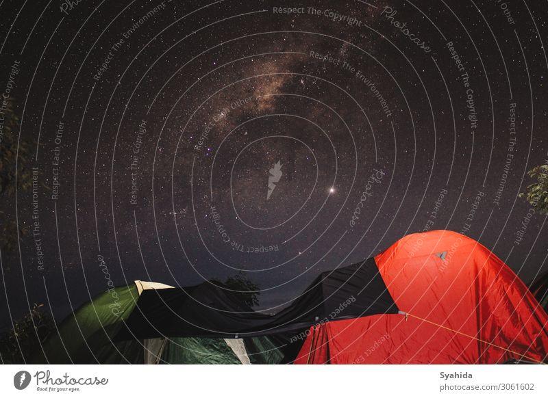 Zwei Zelte unter der Sternennacht Landschaft Erde Himmel Wolkenloser Himmel Nachthimmel Berge u. Gebirge Wonosobo Ferien & Urlaub & Reisen wandern Abenteuer