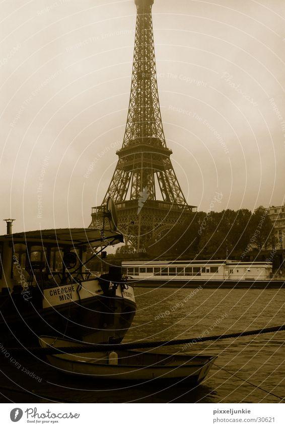 Eifelturm Tour d'Eiffel Seine Wasserfahrzeug Frankreich Paris Stil Architektur