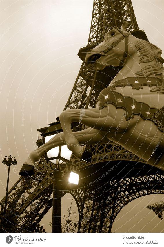 Paris en octobré Architektur hoch Laterne Tour d'Eiffel