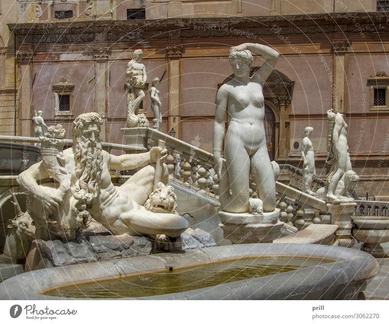 Fontana Pretoria Handwerk Kunst Skulptur Wasser Stadt Altstadt Bauwerk Gebäude Architektur Denkmal Stein alt historisch fontana pretoria Quelle Brunnen Palermo