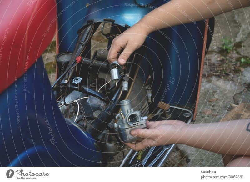 roller reparieren mit | fingerspitzengefühl Technik & Technologie Motor Roller Kleinmotorrad Mechanik Reparatur Intuition Verkehr Fahrzeug warten