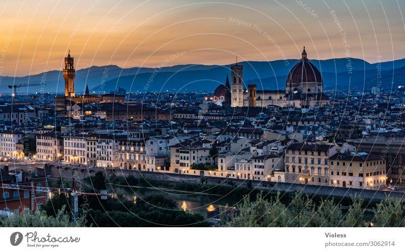 Florence Florenz Toskana Wiege der Renaissance Piazzale Michelangelo Kathedrale Santa Maria del Fiore Italien Sonnenuntergang Licht Bischofskirche Dämmerung