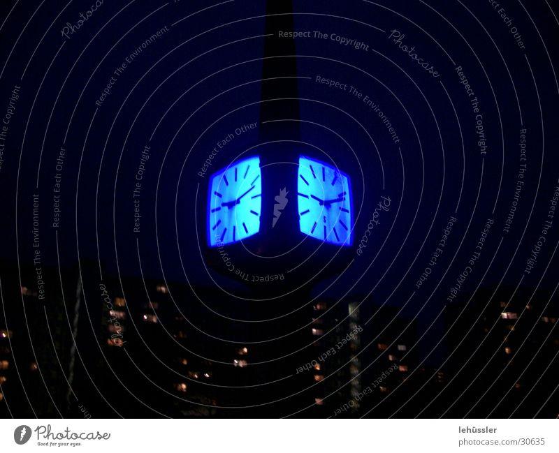 magisches uhrleuchten blau Brücke Uhr Cottbus