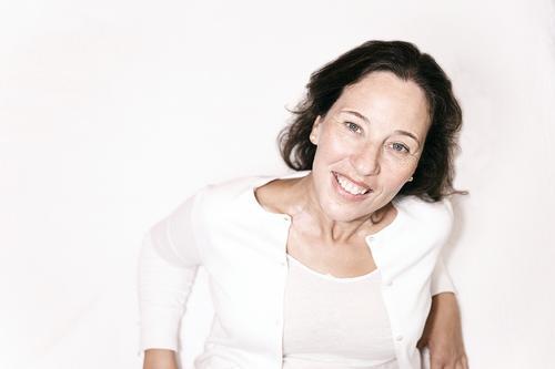 Frau Mensch schön weiß Hand Erholung ruhig Freude Gesicht Auge Lifestyle Erwachsene Leben Senior feminin Gefühle