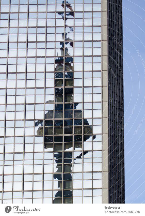 Tele–Vision Stadt Fenster Umwelt Fassade Stimmung Linie retro modern Aussicht Schönes Wetter hoch Wahrzeichen Netzwerk Wolkenloser Himmel Stadtzentrum Hotel