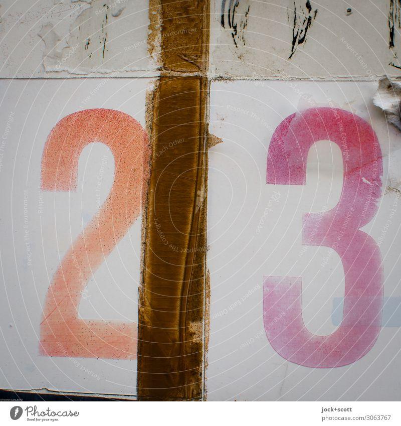 0,666666667 Stil Stimmung Design Ordnung ästhetisch Kreativität groß einzigartig Ziffern & Zahlen Kunststoff nah Typographie positiv Verpackung Interesse Karton