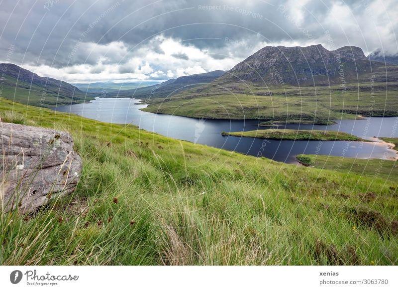 Aussicht von Stac Pollaidh, Ullapool, Schottland Ferien & Urlaub & Reisen Sommer blau grün Landschaft Wolken ruhig Ferne Berge u. Gebirge Gras See Ausflug