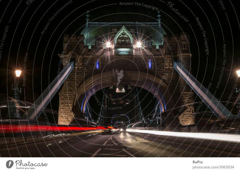 Verkehr auf der Tower Bridge. Lifestyle Stil Ferien & Urlaub & Reisen Tourismus Ausflug Sightseeing Städtereise Wirtschaft Industrie Handel Kunst Kunstwerk