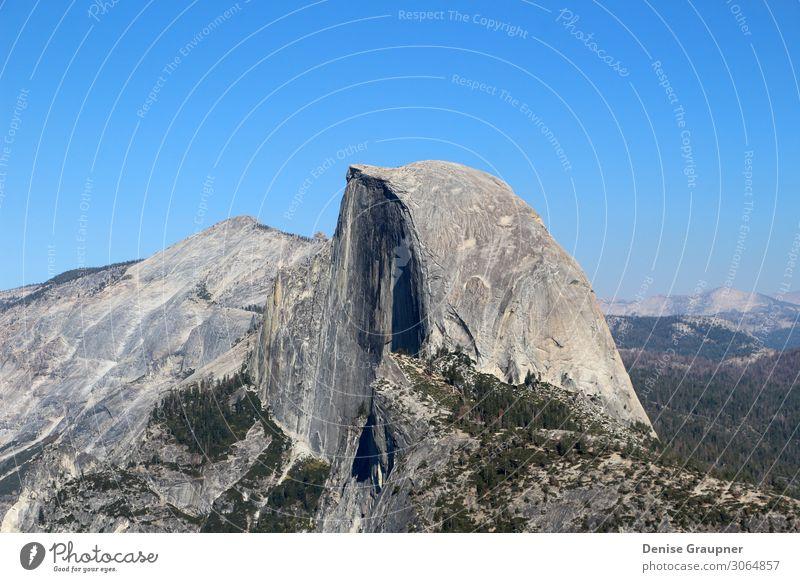 Yosemite National Park Overlooking the Half Dome Ferien & Urlaub & Reisen Sommer Sommerurlaub Sonne Berge u. Gebirge wandern Umwelt Natur Landschaft Pflanze