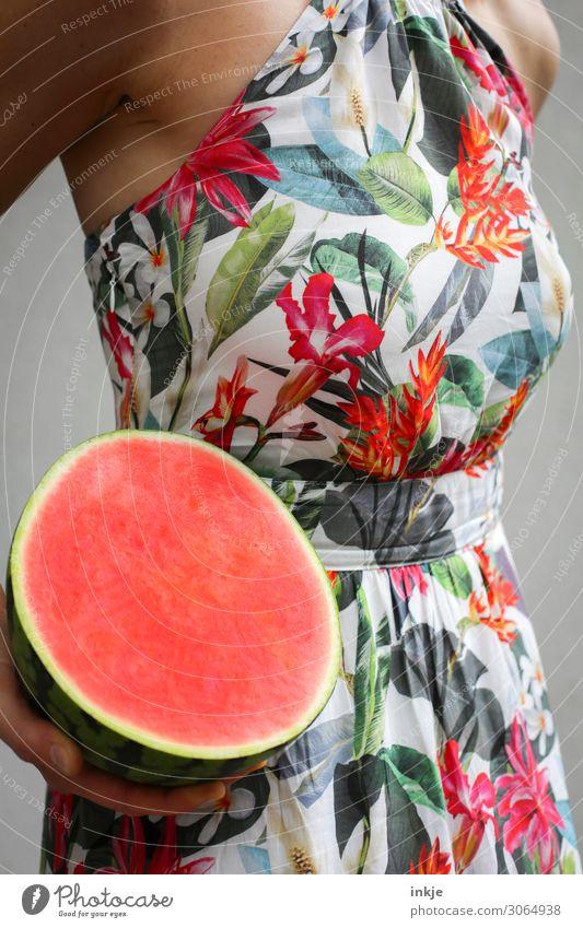 kernlos |mit Schirm, Charme und Melone Frau Mensch Jugendliche rot Gesundheit 18-30 Jahre Erwachsene Leben feminin Frucht Ernährung Körper frisch lecker