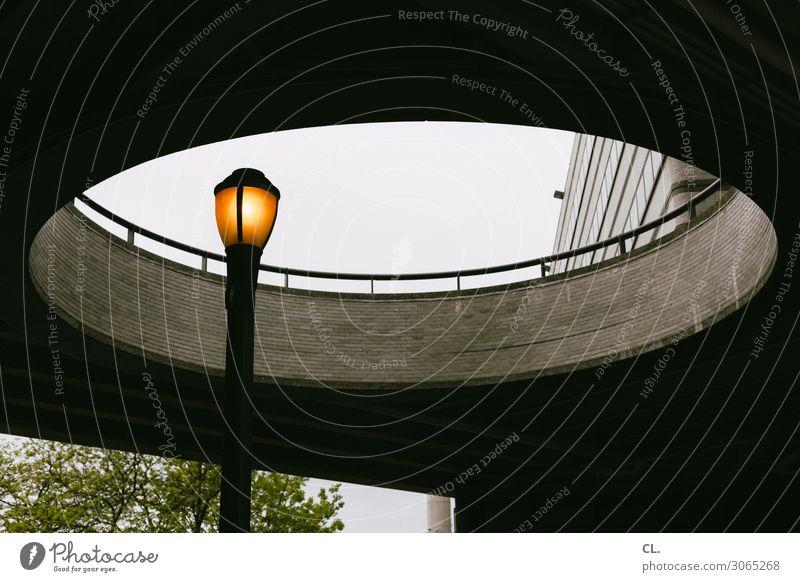erleuchtung Himmel New York City Menschenleer Bauwerk Gebäude Architektur Mauer Wand Straßenbeleuchtung Geländer Kreis rund Energie Perspektive Farbfoto