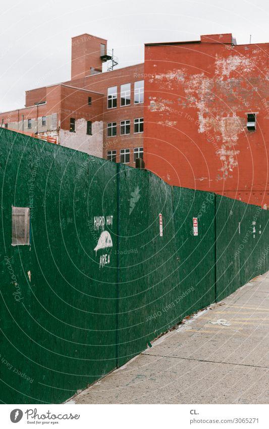 hard hat area Arbeit & Erwerbstätigkeit Beruf Arbeitsplatz Baustelle New York City USA Stadt Menschenleer Haus Gebäude Architektur Mauer Wand Wege & Pfade