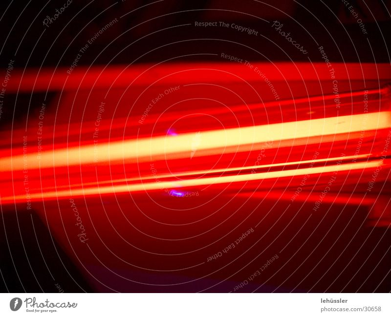 redlight confusion rot gelb Lampe dunkel hell violett obskur Strahlung Ampel Leuchtstoffröhre