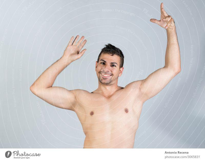 junger Mann ohne Hemd Studioaufnahme Porträt Lifestyle Musik Tanzen Mensch maskulin Erwachsene Jugendliche Glatze Fitness Erotik lustig stark grau Schutz