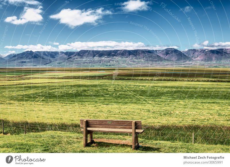 Einsame braune Bank bei glaumbaer auf Island schön Erholung ruhig Ferien & Urlaub & Reisen Sightseeing Berge u. Gebirge wandern Umwelt Natur Landschaft Park
