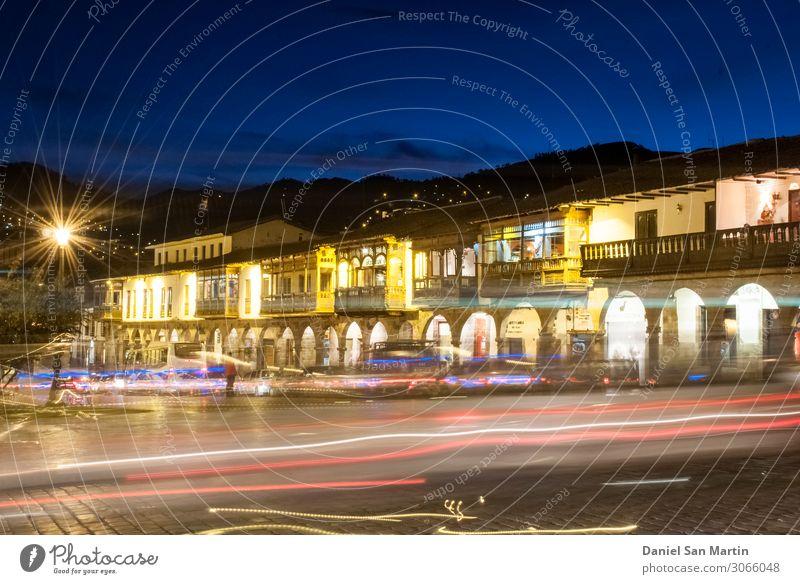 Nachtansicht von der Plaza de Armas in Cuzco. Ferien & Urlaub & Reisen Berge u. Gebirge Kultur Wolken Hügel Stadt Stadtzentrum Kirche Gebäude Architektur alt