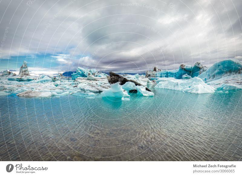 erstaunliche Eisbergformationen in der jokulsarlon glazialen Lagune schön ruhig Tourismus Winter Berge u. Gebirge Kino Umwelt Landschaft Klimawandel Park