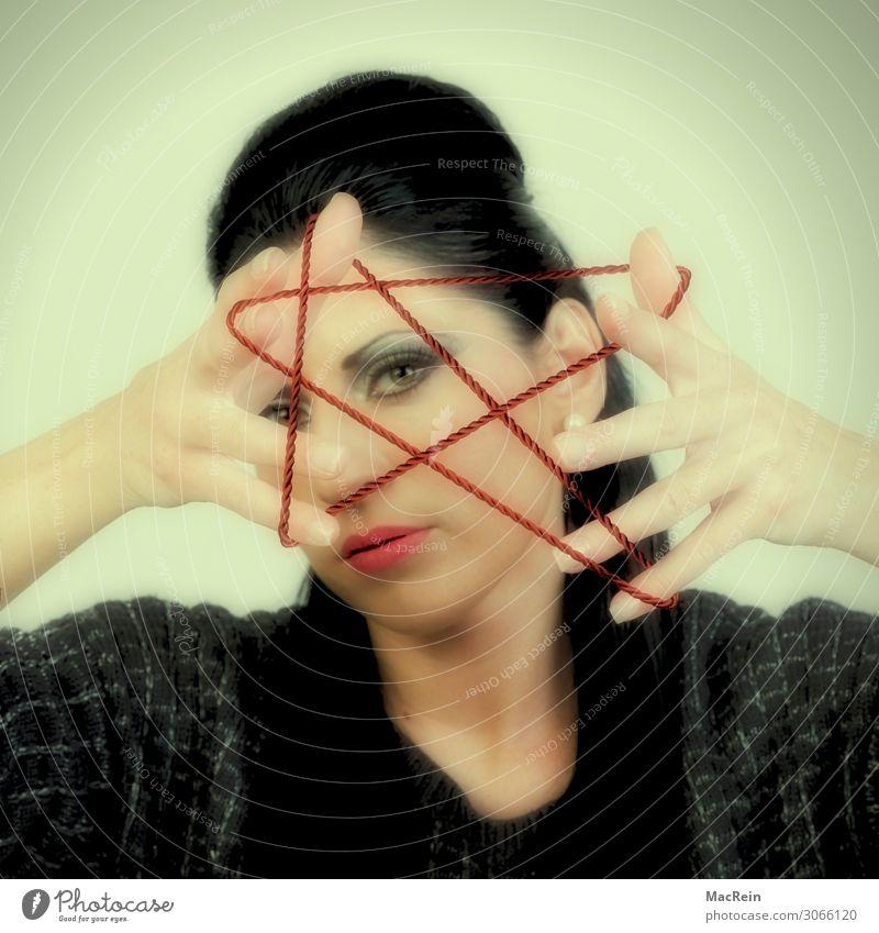 Pentagramm Mensch feminin Junge Frau Jugendliche Erwachsene 1 18-30 Jahre Kunst Künstler Show Zeichen Ornament festhalten Kommunizieren zeichnen außergewöhnlich