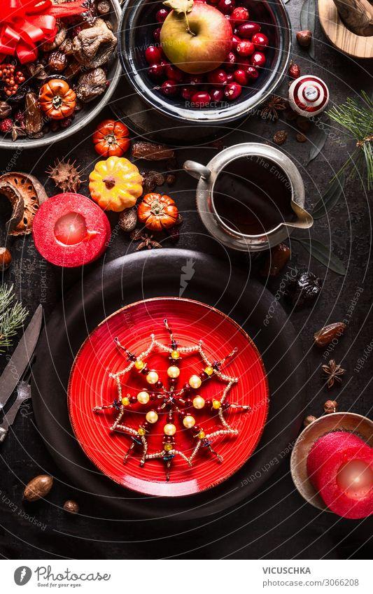 Festlich gedeckter Weihnachtstisch Lebensmittel Ernährung Festessen Geschirr Stil Design Häusliches Leben Tisch Veranstaltung Restaurant Weihnachten & Advent