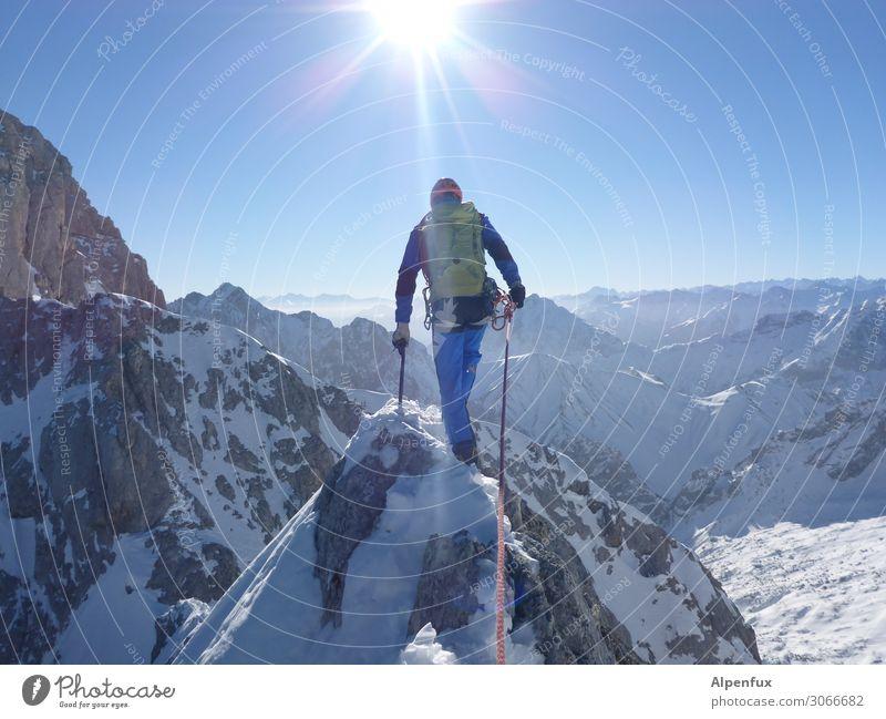 On the road again | Schmalspur Einsamkeit Winter Berge u. Gebirge Wege & Pfade Schnee Freundschaft Zufriedenheit wandern Angst Kraft Erfolg Abenteuer bedrohlich