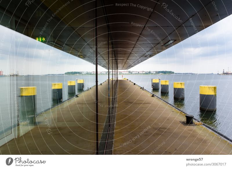 Wismar II blau Stadt Ferne Fenster Architektur gelb Wand Deutschland Mauer braun grau Horizont Europa Hafen Ostsee Balkon