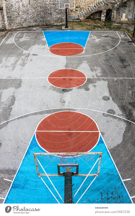alt blau rot Freude Straße Architektur Lifestyle Sport Bewegung Gesundheitswesen Spielen Schule Stein braun Design Linie