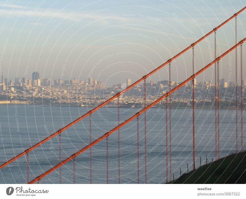 Looking through the Golden Gate to see what's behind Stadt Wasser Haus USA Sehenswürdigkeit Skyline Bucht Amerika Fernweh Bankgebäude Stahl Kalifornien
