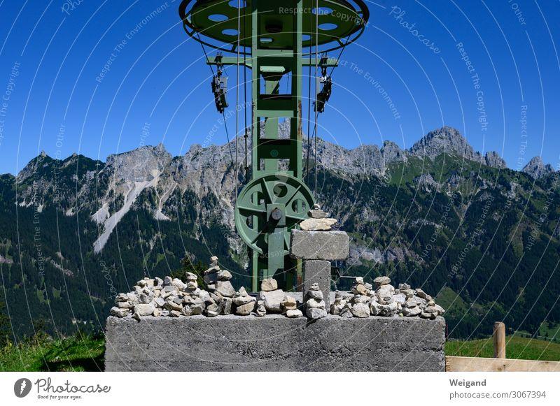 Steinstapelträger Technik & Technologie Alpen Berge u. Gebirge Gipfel Seilbahn Skilift Metall genießen grün wandern Bergsteigen Farbfoto Außenaufnahme
