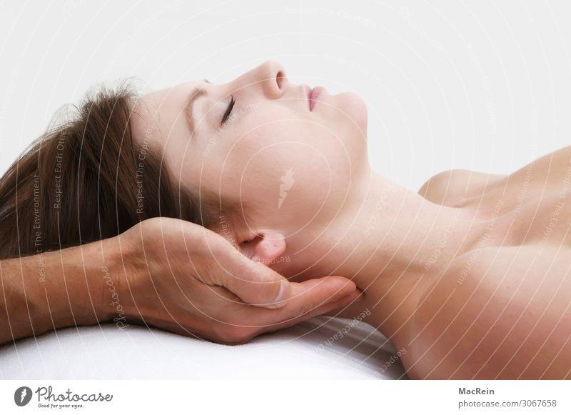 Akupressur Gesicht Gesundheit Gesundheitswesen Behandlung Alternativmedizin Wellness Wohlgefühl Erholung ruhig Meditation Massage Mensch Frau Erwachsene
