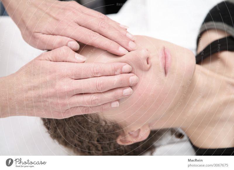 Reiki Gesicht Behandlung Alternativmedizin Wellness Leben harmonisch Wohlgefühl Zufriedenheit Sinnesorgane Erholung ruhig Meditation Kur Spa Massage