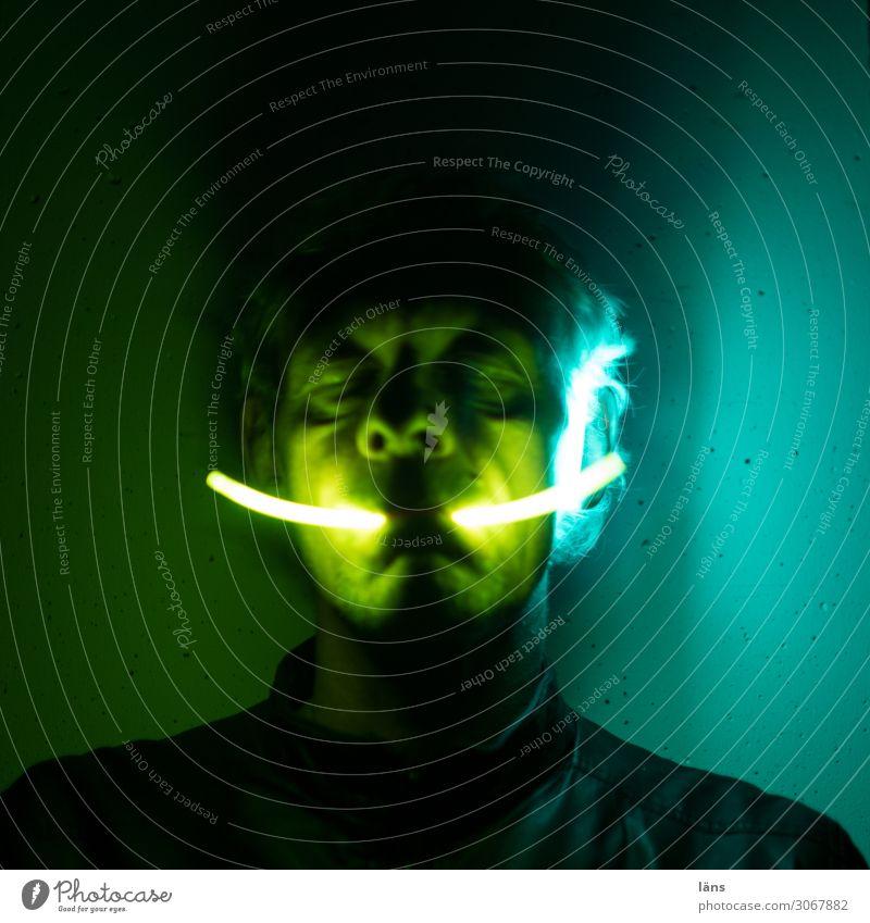 nebulös l wer was wo Mensch Mann dunkel schwarz Erwachsene Leben gelb außergewöhnlich Denken maskulin leuchten träumen 45-60 Jahre fantastisch Energie