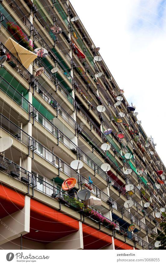 Wohnblock Architektur Berlin Schöneberg Fassade Großstadt Deutschland Froschperspektive Hauptstadt Haus Himmel Himmel (Jenseits) Hochhaus Hotel Stadtzentrum