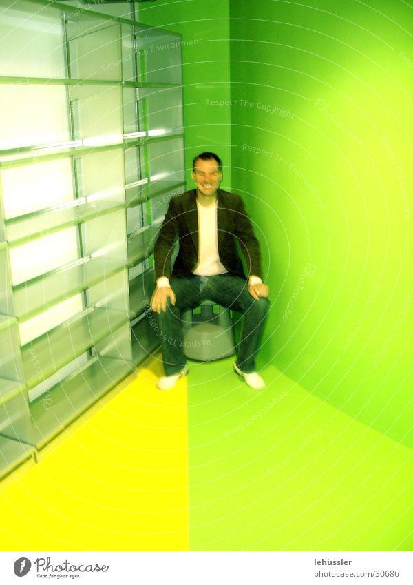 rocket in der ecke grün gelb Raum Architektur rund eng Bibliothek Regal