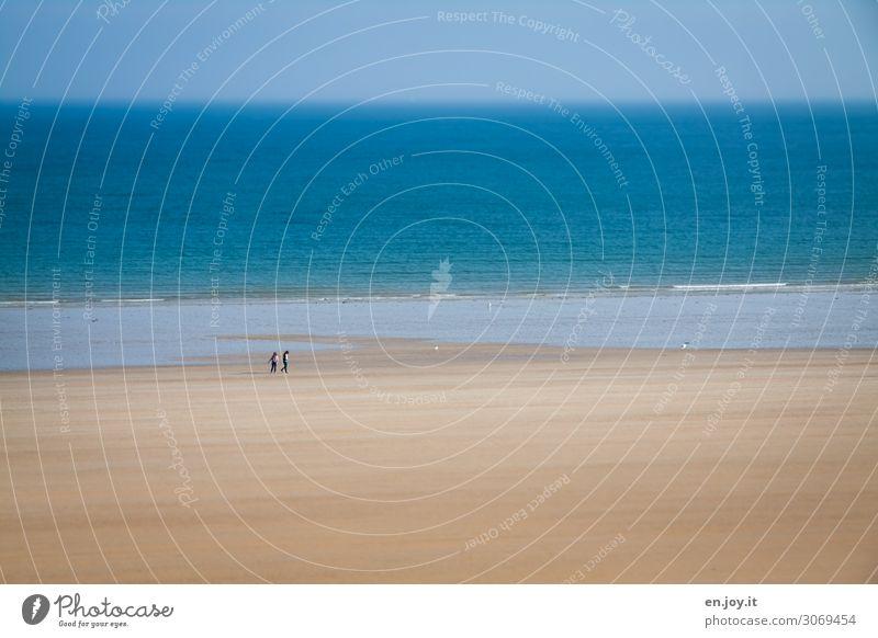 atmen Ferien & Urlaub & Reisen Tourismus Ausflug Ferne Freiheit Sommer Sommerurlaub Strand Meer Wellen Paar 2 Mensch Umwelt Landschaft Himmel Horizont