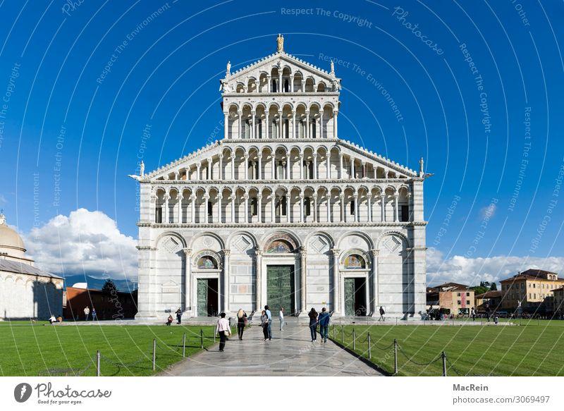 Dom zu Pisa Menschengruppe Architektur Landschaft Frühling Sommer Park Wiese Stadt Kirche Bauwerk Gebäude Kultur Kunst Kathedrale Italien Tourismus