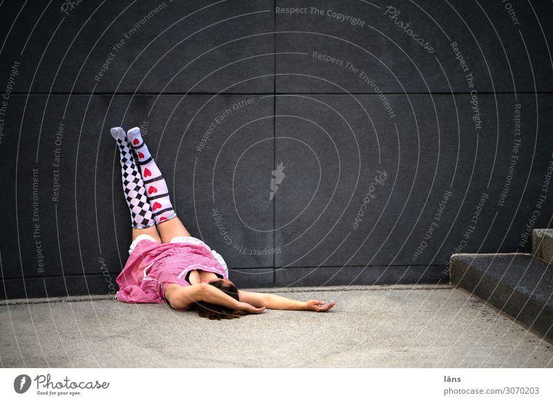 relax l AST10 Mensch Leben feminin Zufriedenheit Kleid Gelassenheit Strümpfe Erwartung