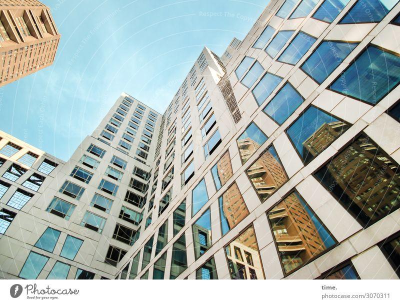 homies, maybe Kunstwerk Himmel Schönes Wetter New York City Haus Hochhaus Bauwerk Gebäude Architektur Mauer Wand Fassade Fenster außergewöhnlich elegant