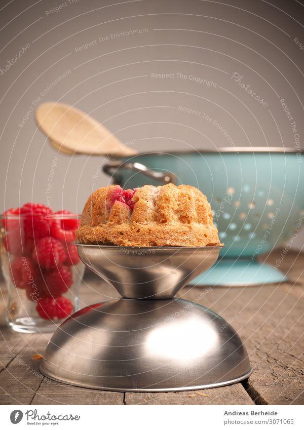 Küchlein mit Himbeere Frucht Kuchen Dessert Bioprodukte lecker süß Cupcake meal milk miniature morning Muffin oatmeal organic oven party pastry plate raspberry