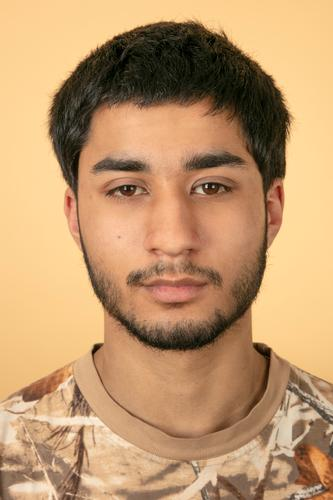 Portrait von jungem Mann Mensch Jugendliche Junger Mann Erotik ruhig 18-30 Jahre Gesicht Hintergrundbild Erwachsene Stil Mode Kopf Zufriedenheit maskulin