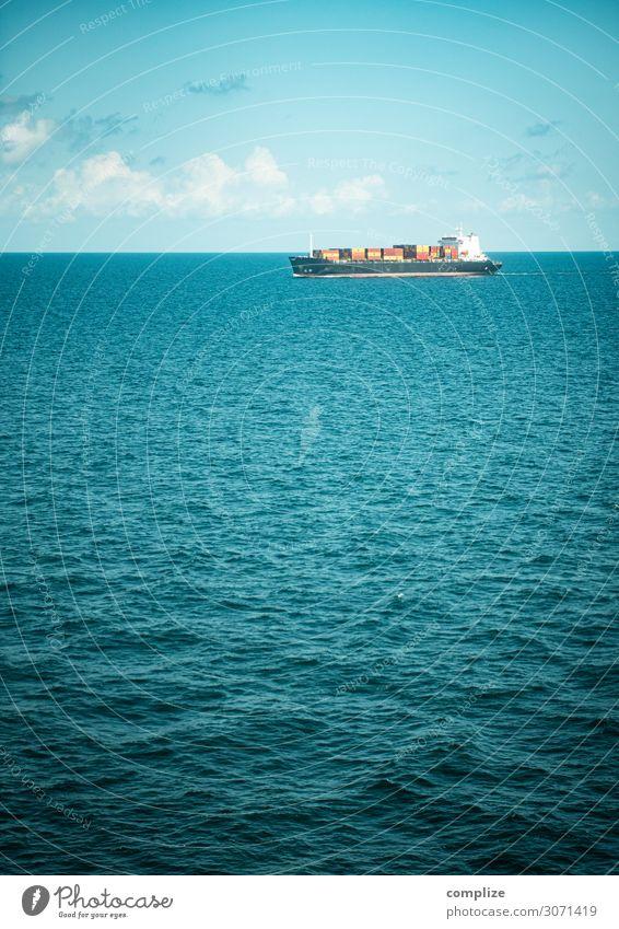 Ein Containerschiff auf dem Meer Wirtschaft Handel Güterverkehr & Logistik Natur Himmel Wolken Sonne Klimawandel Schönes Wetter Wellen Küste Nordsee Ostsee