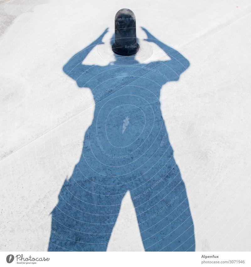 MONTAG !! Mann Erwachsene 1 Mensch Willensstärke Überraschung Traurigkeit Sorge Trauer Tod Liebeskummer Unlust Schmerz Sehnsucht Enttäuschung Angst Entsetzen