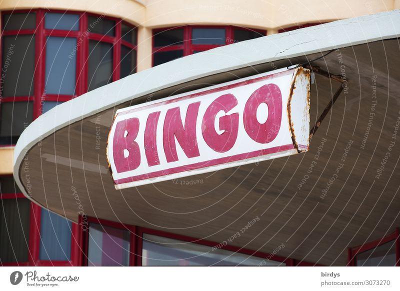 Bingo Lifestyle Spielen Kartenspiel Glücksspiel ausgehen Stadt Haus Gebäude Fenster Werbeschild Schriftzeichen authentisch Erfolg einzigartig positiv