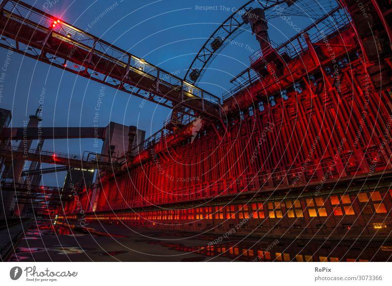Historische Industrieanlage in Essen. Stil Design Ferien & Urlaub & Reisen Tourismus Ausflug Sightseeing Städtereise Wissenschaften Arbeit & Erwerbstätigkeit