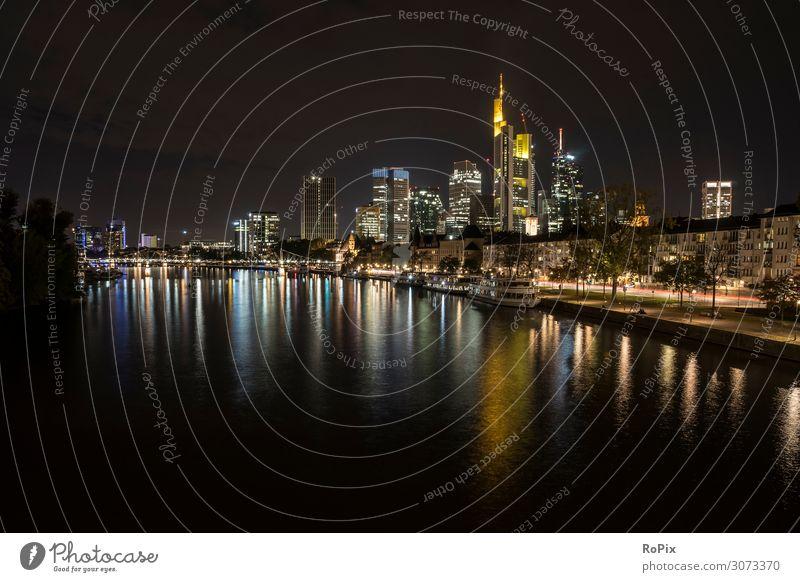 Skyline von Frankfurt. Lifestyle Stil Design Ferien & Urlaub & Reisen Tourismus Sightseeing Städtereise Nachtleben Arbeit & Erwerbstätigkeit Büro Wirtschaft