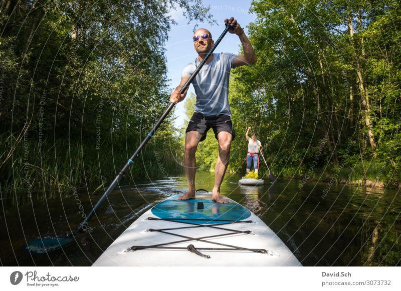 Paar auf Stand Up Paddle Board auf dem See, SUP Lifestyle sportlich Fitness Freizeit & Hobby Sommer Wassersport Mensch maskulin feminin Körper 2 30-45 Jahre