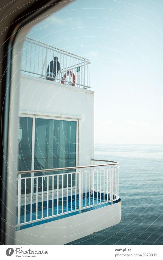 Balkon mit Meer Frau Ferien & Urlaub & Reisen Natur Mann Sommer Gesundheit Erwachsene Umwelt Küste Tourismus Freiheit Schwimmen & Baden Wasserfahrzeug Aussicht