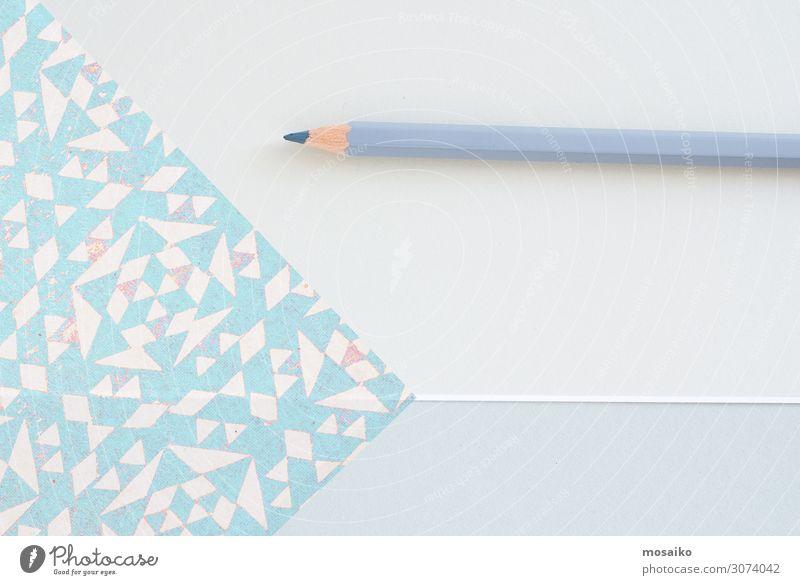 Kreativer Designer-Desktop von oben mit grauem Bleistift Lifestyle kaufen Reichtum elegant Stil exotisch Freude Wellness Leben harmonisch Wohlgefühl