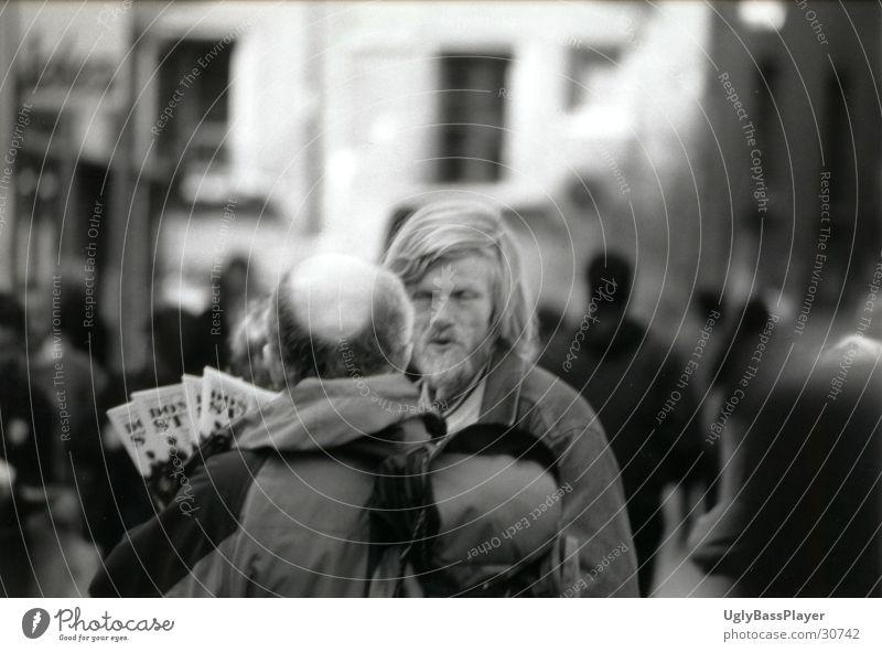 - ohne Titel - Mann Stadt schwarz weiß Zeitung Zeitschrift